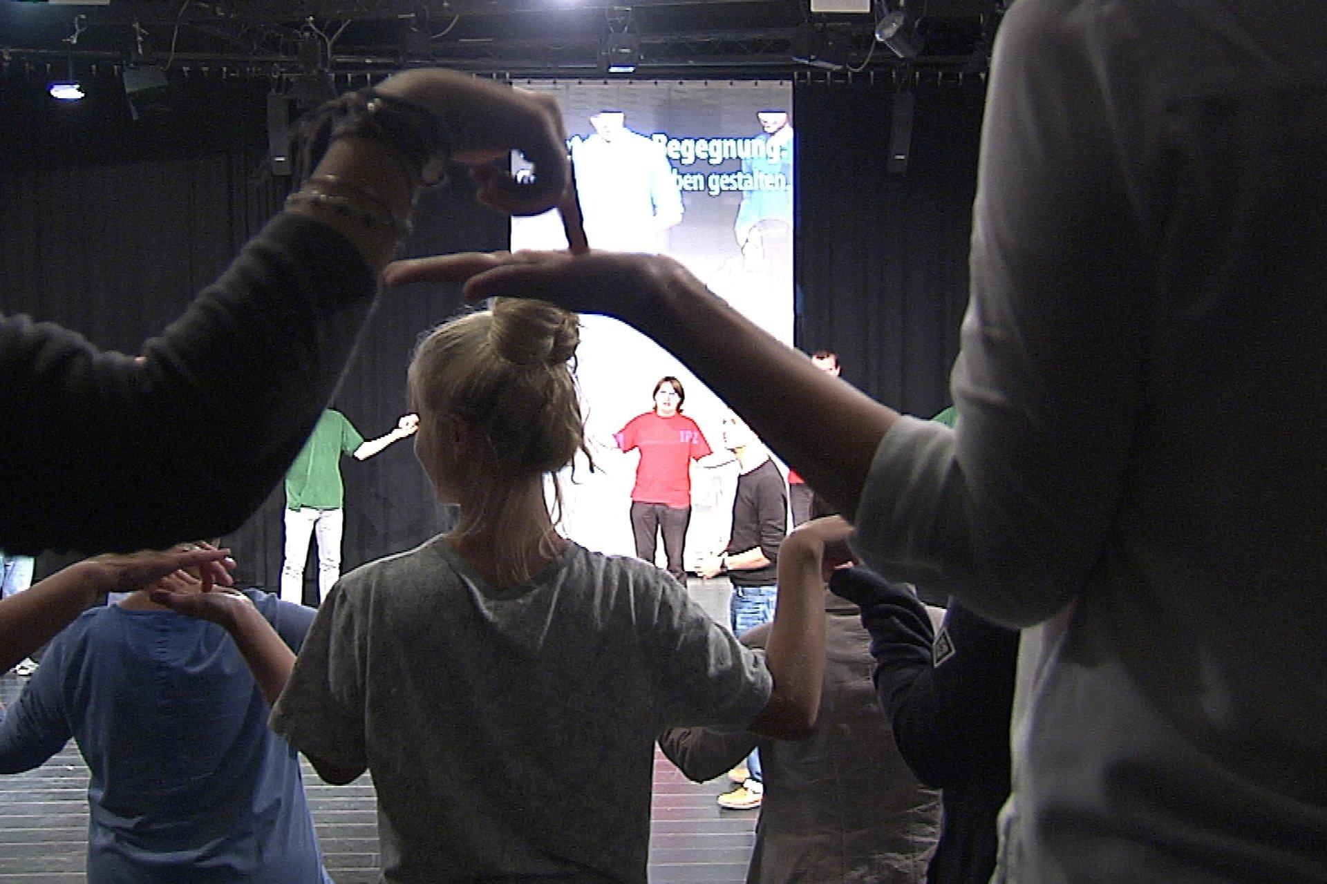 Inszenierungsfoto Theater der Begegnung – innerhalb der Interkulturellen Tage Dresden
